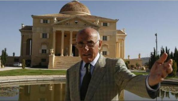 Munib al-Masri adalah salah satu daripada rakyat Palestin yang paling terkenal dan berpengaruh, orang terkayadi Plaestin mempunyai kekayaan 1,6bilion