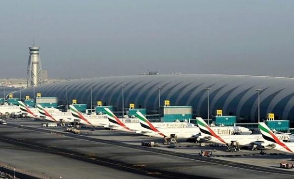Dubai airport mencatit 57.68 juta penumpang di tahun 2012 daripada50.98  juta di tahun 2011, peningkatan 13.4 percent to 5.32 juta penumpang.