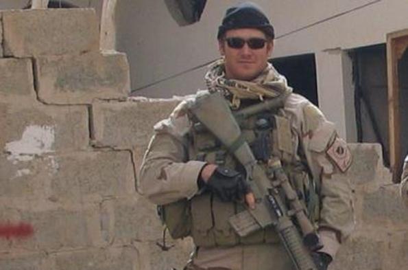 Chris Kyle, bekas US Navy SEAL telah membunuh 160 orang sepanjang kerier nya. di Iraq, Afghanistan dan kemunkinan doa dan sumpahan, akhirnya dia mati di tembak di padang sasar di Texas