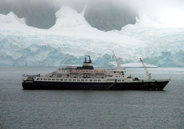 Misteri Kapal Lyubov Orlova yang kosong tiada berpenghuni terus belayar dengan sendirinya, telah pergi sejauh 1300 batu nautikal