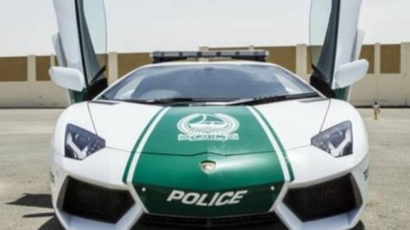 1.5 juta Lamborghini telah   menajdi sebehagian kereta peronda polis dubai