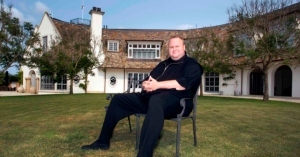 Kim Dotcom  is asking Anonymous New Zealand to stop hacking the National Party websites in order to avoid backfire.