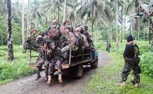 Pengganas Abu sayaf di Jolo, dahulu mereka MILF tetapi mereka telah kuar dari MILF dan berperang pula dengan milf