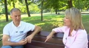 Michael Bociurkiw ketika di temuramah oleh CBC, berkata ada lubang peluru di dalam MH17 dan tidak menjumpai missiles