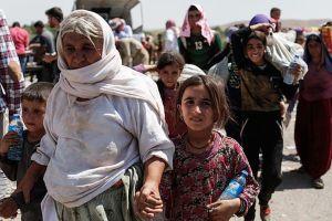 Kaum penganut agama yezidi melarikan diri mencari perlindungan, kenapa mereka lari?, Ada yang tidak kena dengan ISIS ini.