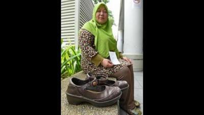 woman pig shoe_0