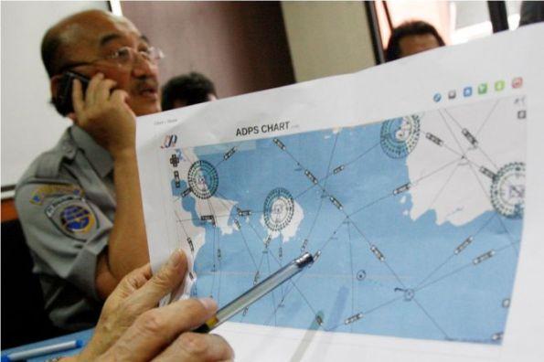 Metrotvnews.com, Jakarta: Senin (29/12/2014) pagi, akan menjadi hari kedua pencarian pesawat AirAsia QZ8501. Pencarian akan dipusatkan di sekitar Kepulauan Bangka Belitung pada pukul 06.00 WIB. Badan Searh and Rescue Nasional (Basarnas) mengidentifikasi, lokasi pencarian berada di sekitar 270 nautical mil dari Bangka Belitung. Titik itu dipilih lantaran menjadi posisi terakhir pesawat saat tertangkap ATC.