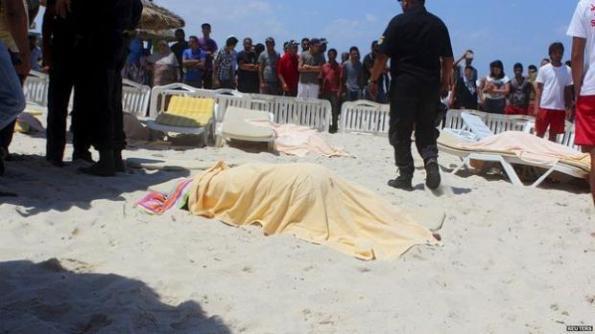 Pembunuhan keatas orang yang tidak berdosa, atas rasa berAgama - AFTERMATH: Aftermath of the terrorist attack in Tunisia.Picture by BBC