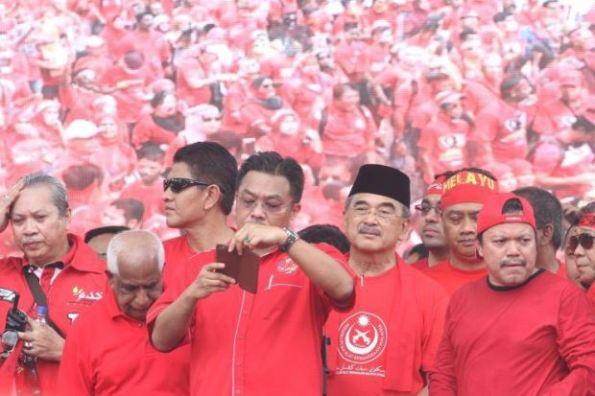 Baju-Merah